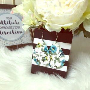 Floral 🌸faux leather dangling hook earrings, NWOT